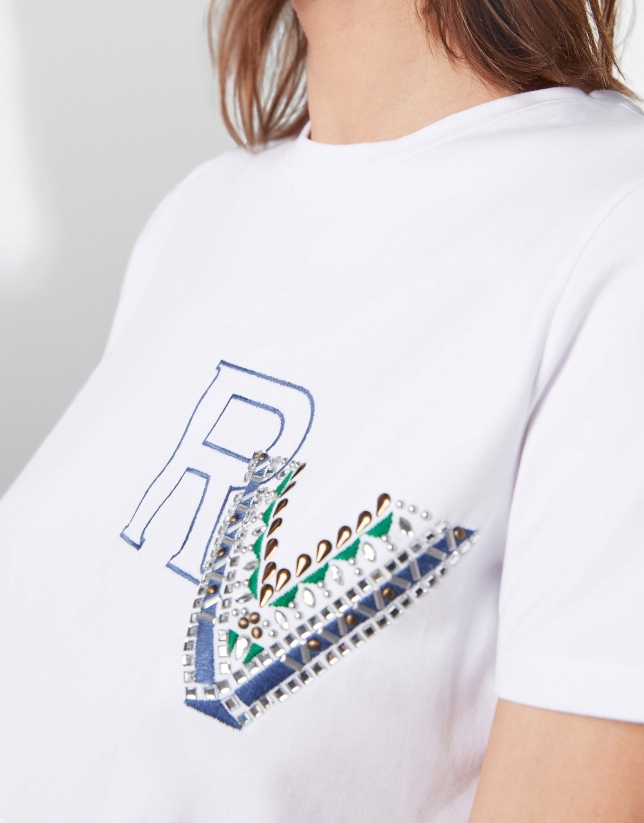 RV logo top with applique