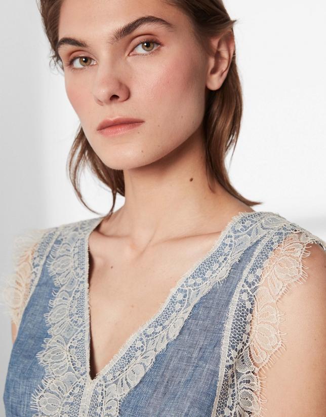 Robe bleue en lin avec dentelle