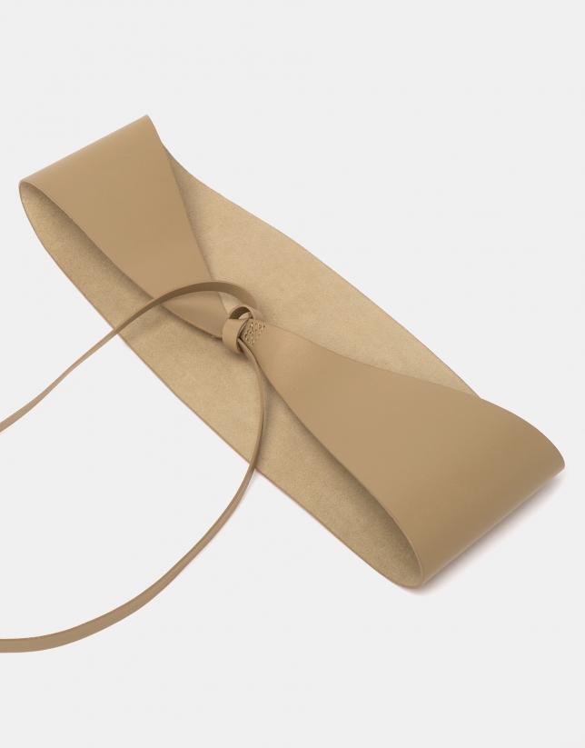 Sandy leather tie belt