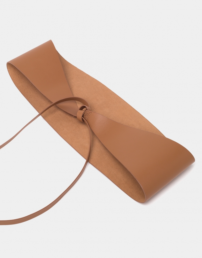 Cinturón de atar piel cámel