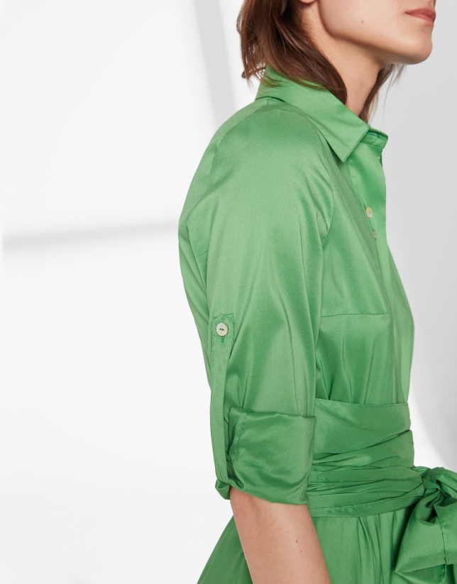 Vestido camisero verde con falda pañuelo