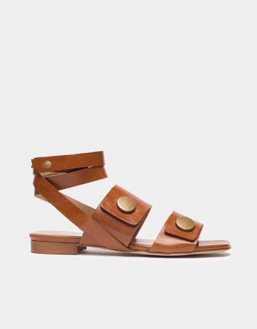 Sandale plate en cuir marron