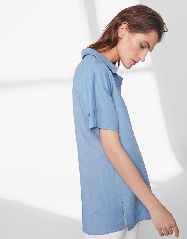 Chemise légère bleue à manches courtes