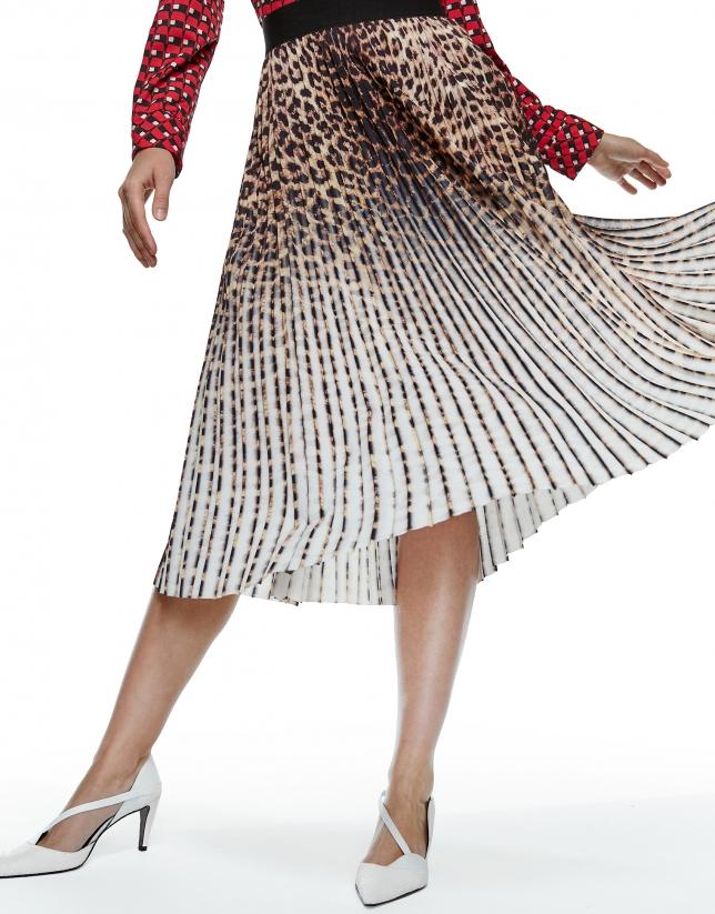 Falda larga plisada estampado leopardo
