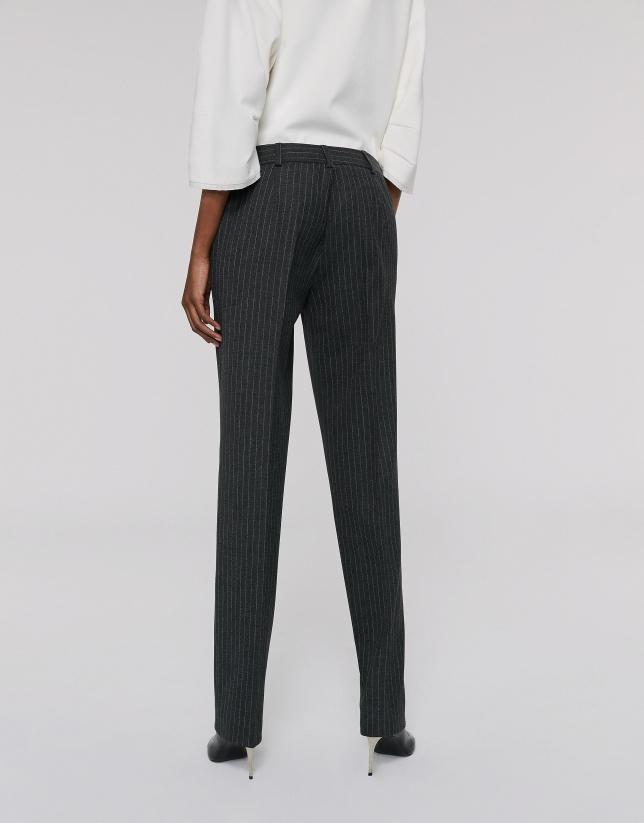 Pantalón recto raya diplomática gris
