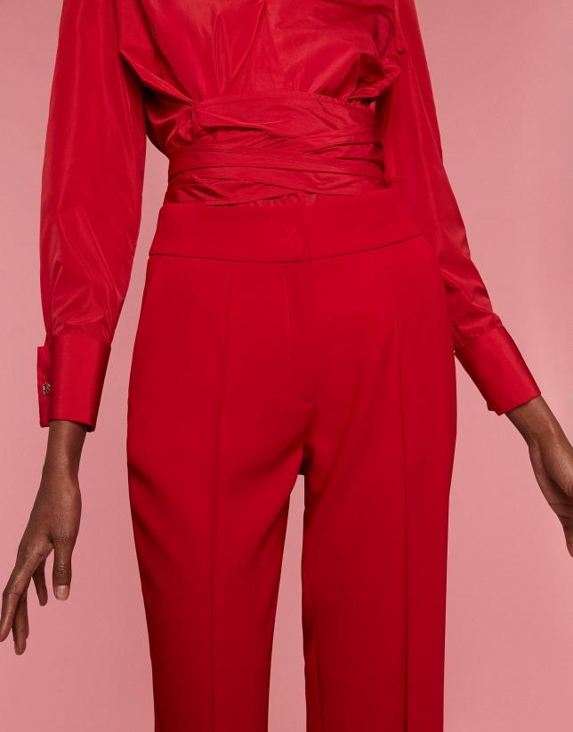 Pantalon droit rouge plissé devant