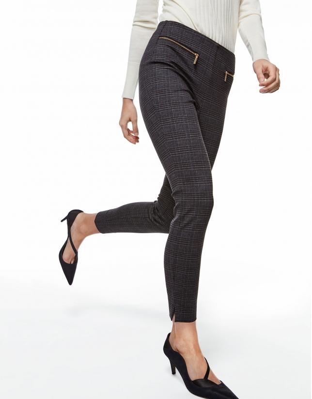 Pantalón pitillo punto cuadros gris