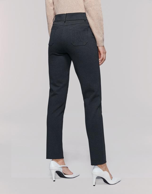 Pantalon fuseau en maille gris