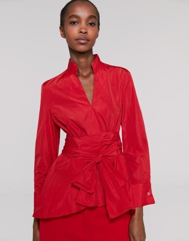 Camisa cuello mao roja con lazada