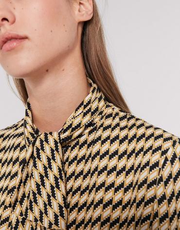 Camisa estampado geométrico oro y negro