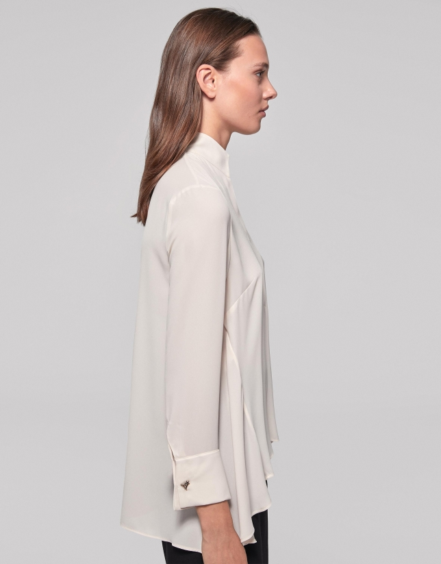 Ivory shirt with Mao collar and slit