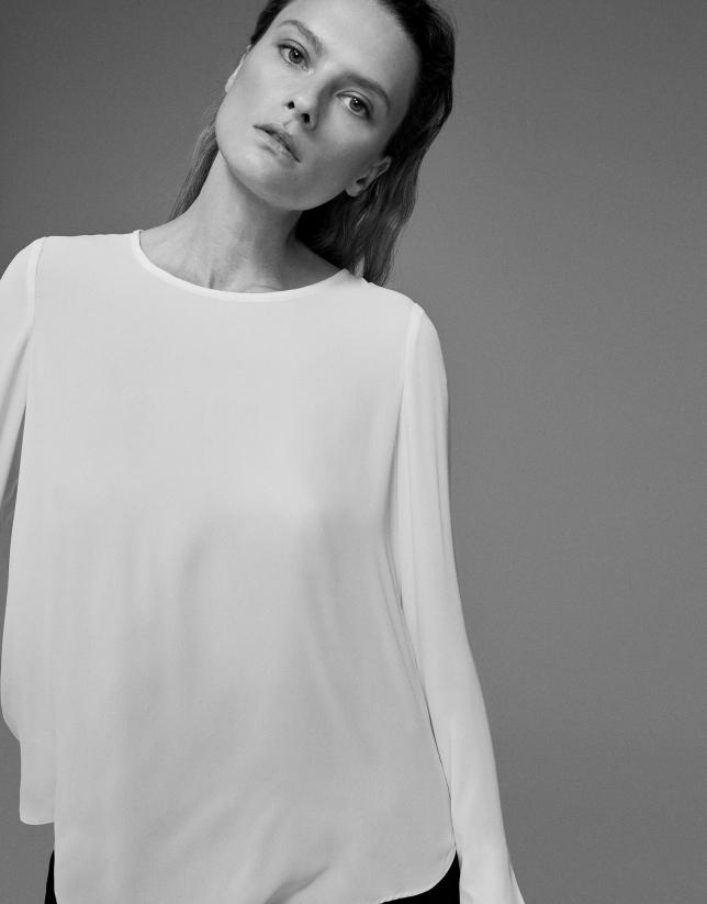 Camisa marfil escote redondo