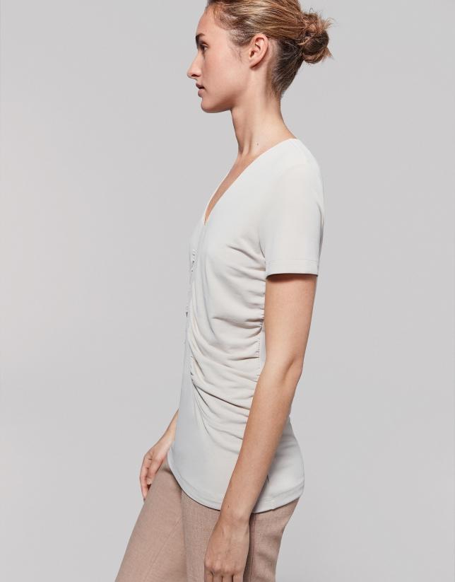 Camiseta frunces en costados vainilla