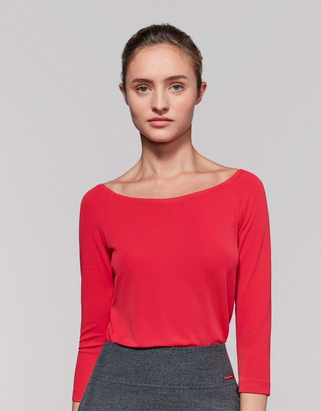 Red poppy tie with bare shoulders