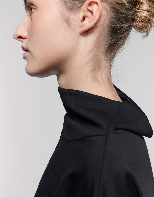 Vestido midi negro cuello doble