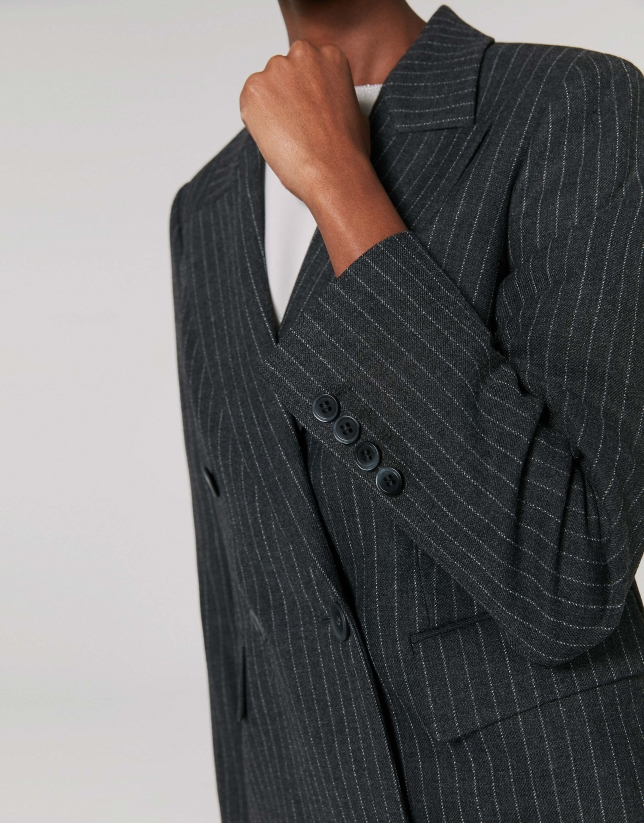 Veste grise à rayures diplomatiques, double boutonnage