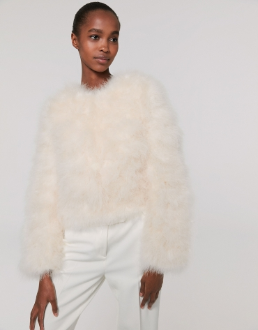 Oversize white jacket with turkey feathers