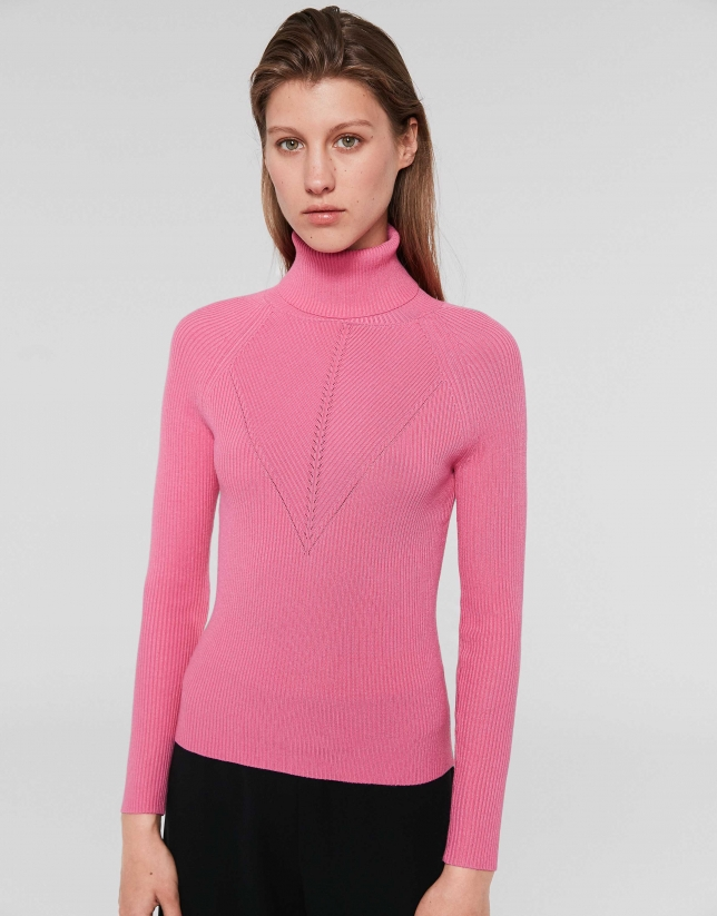 Pink fitted ribbed sweater