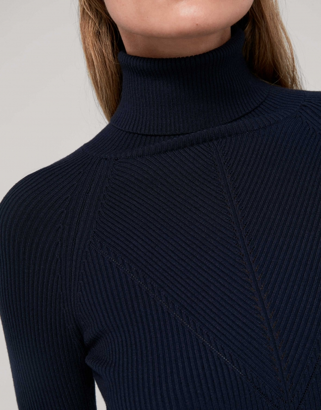 Navy blue fitted ribbed sweater