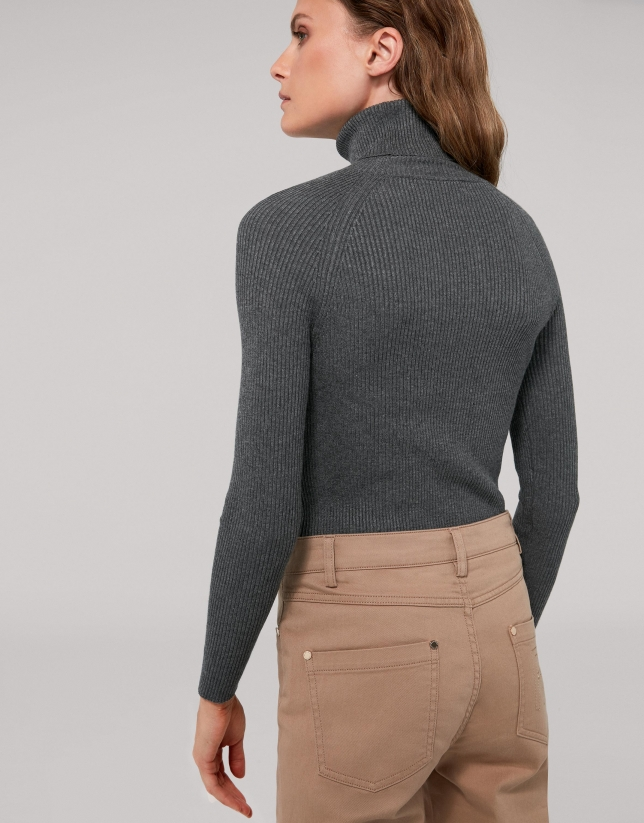 Marengo gray fitted ribbed sweater