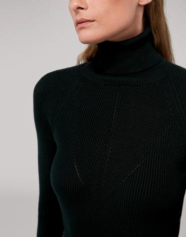 Jersey canalé ajustado negro