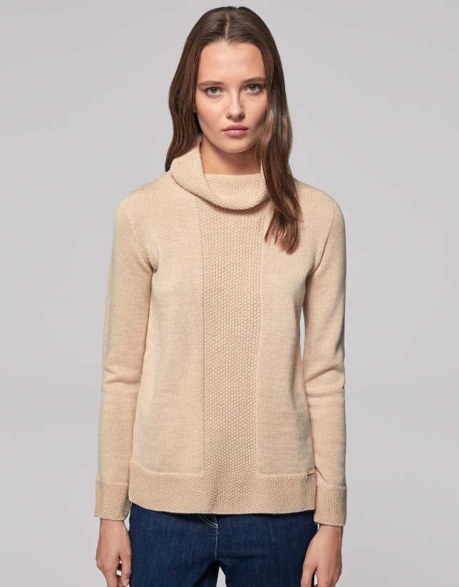 Pull laine merino col roulé relâché couleur vanille
