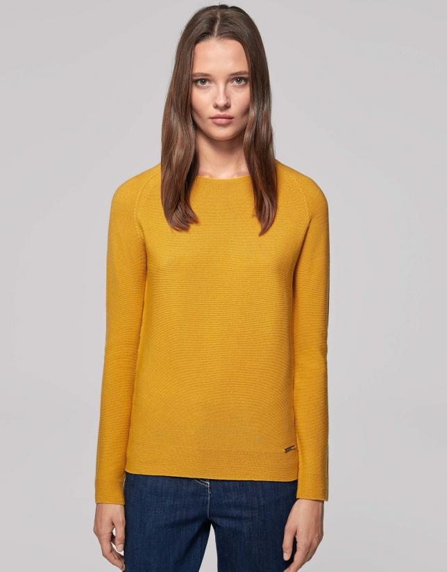 Gold wool sweater with raglan sleeves