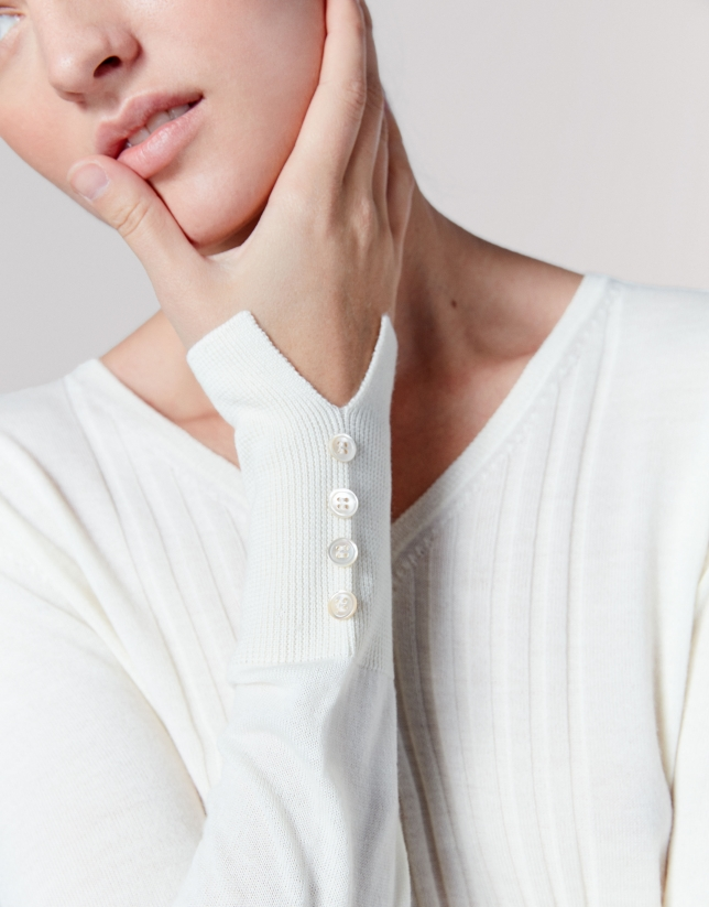 Ivory wool sweater with V-neck