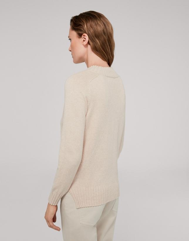Vanilla cotton/cashemere sweater with asymmetric hem
