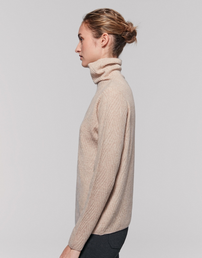 Vanilla knit sweater with appliqué