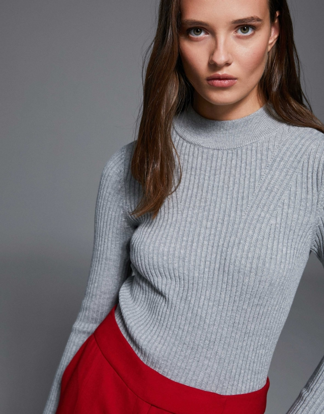 Smokey gray sweater with raglan sleeves