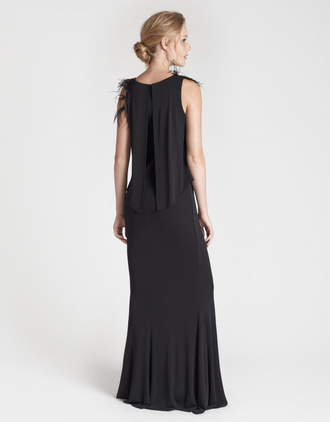 Black long sleeveless dress