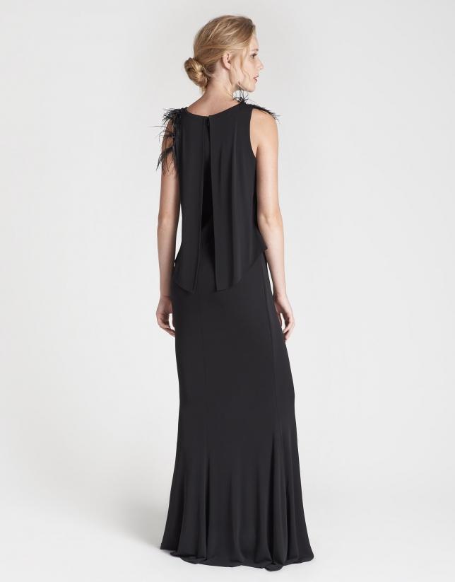 Vestido largo negro abullonado sin mangas