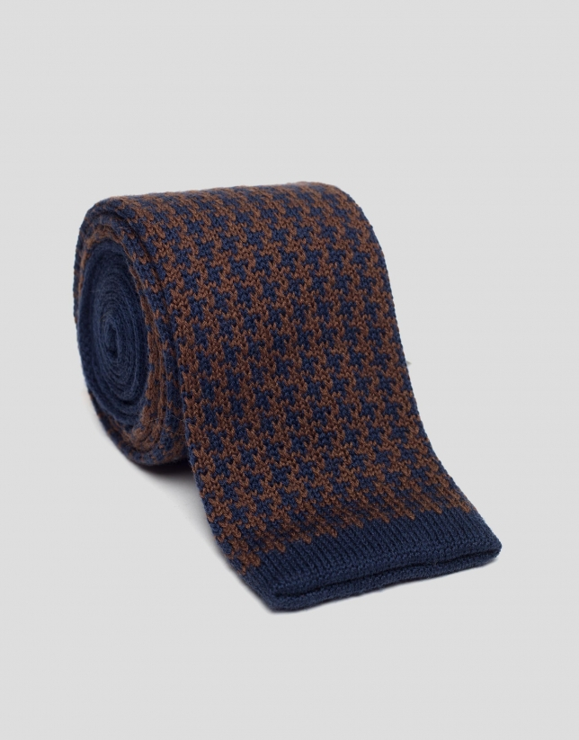 Brown houndstooth knit tie