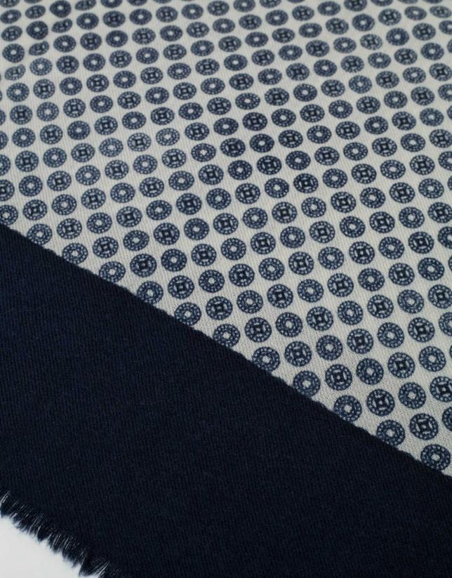 Foulard à dessin style cravate écru/bleu marine