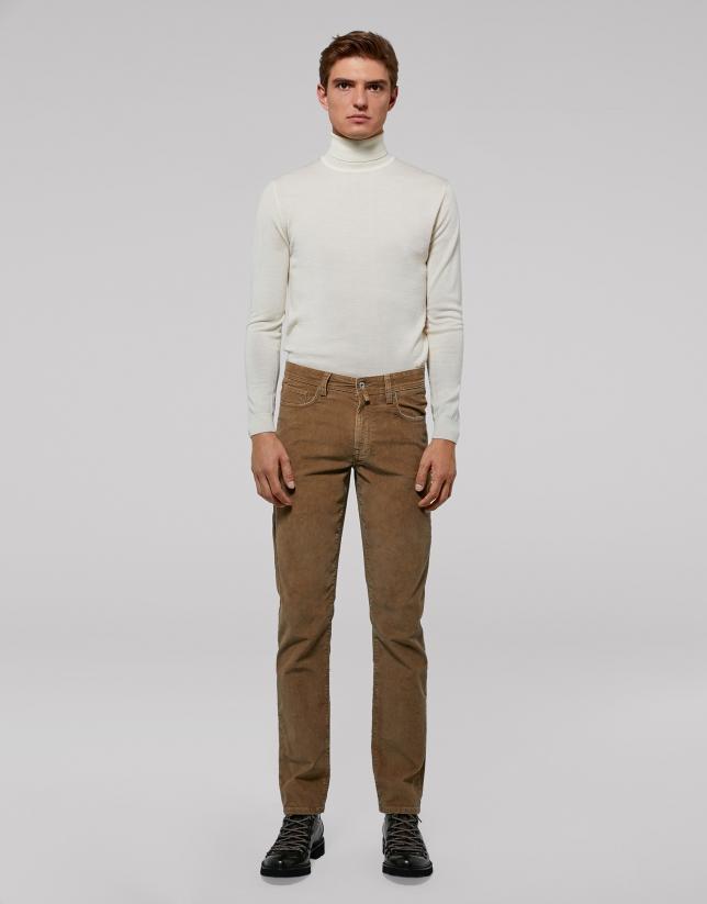 Pantalon cinq poches en velours camel