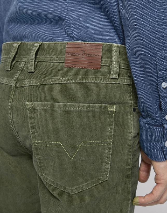 Pantalón cinco bolsillos pana caqui