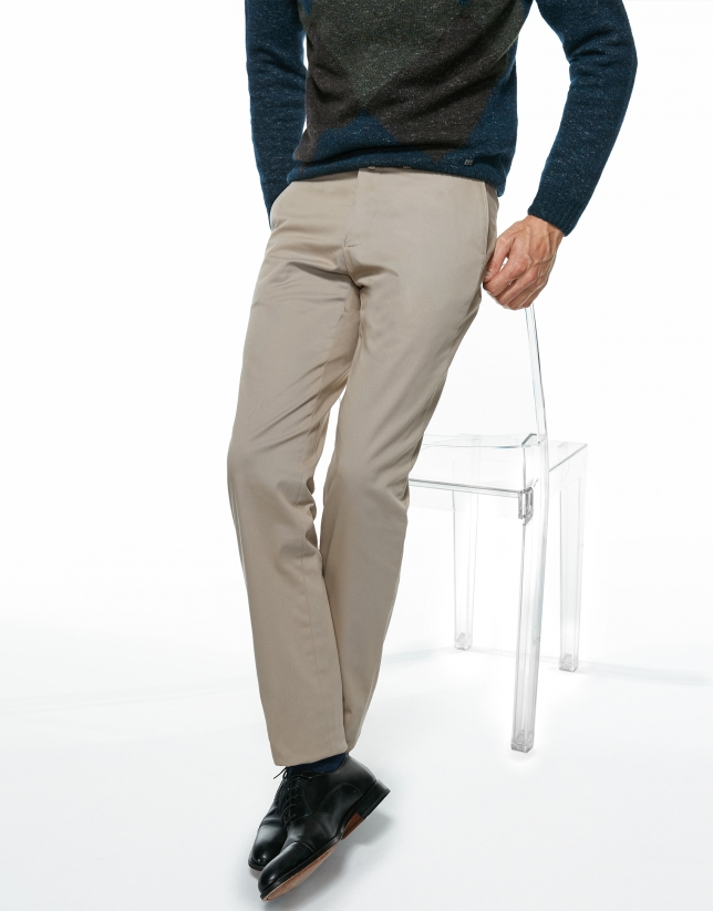 Pantalón chino regular beige