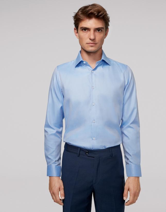 Chemise habillée bleu ciel en coton à fines rayures
