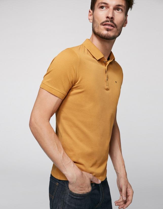 Polo en coton doré