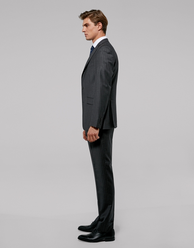 Gray pinstriped half canvas  suit