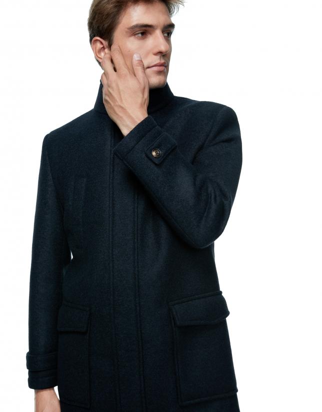 Manteau couleur bleu marine avec plastron amovible