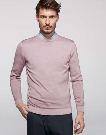 Pink dyed sweater with square collar