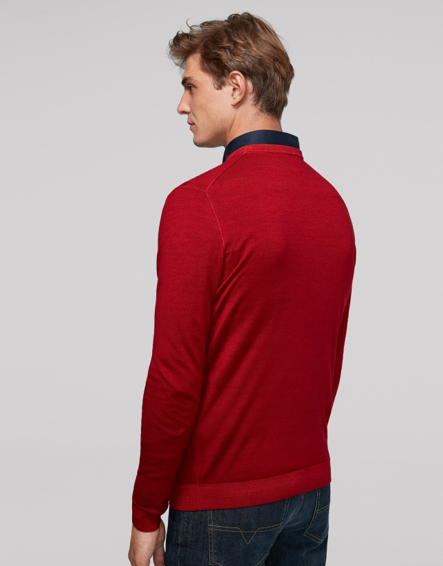 Red dyed sweater with square collar