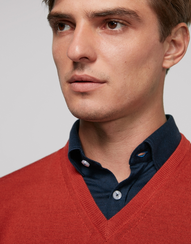 Red wool sweater with V neck