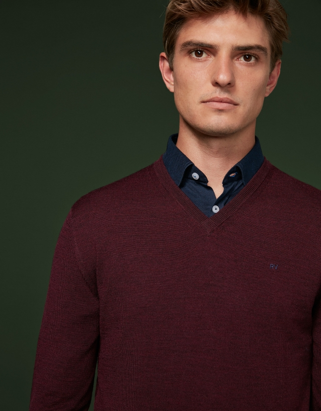 Burgundy wool sweater with V neck