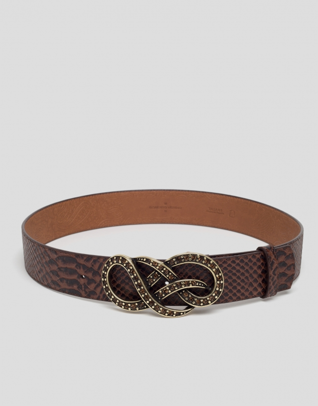 Leather belt with interlaced buckle