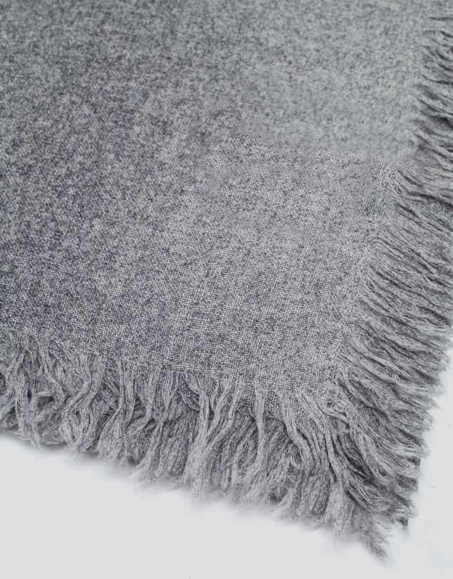 Gray wool and cashmere scarf