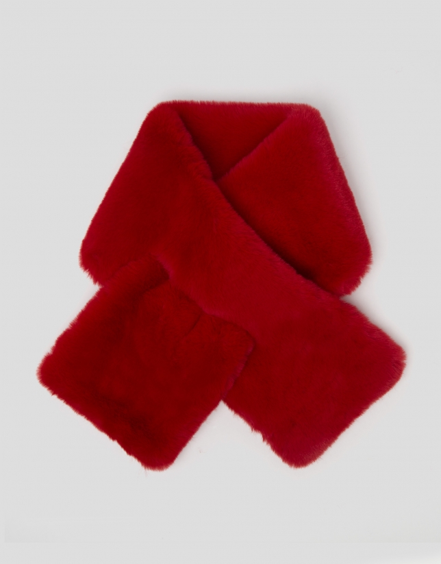 Red fur-effect scarf