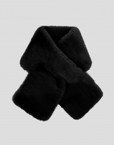 Black fur-effect scarf